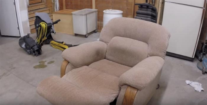 Professional Upholstery Cleaning  Hall